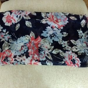 🌟 Floral print scarf navy with multicolor flowers